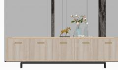Decoração de gabinete com cavalo dourado e vaso rosa skp